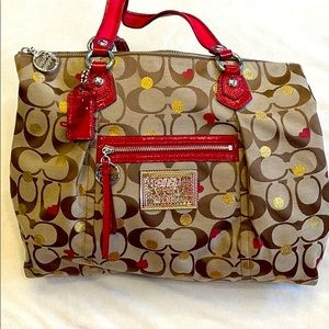 Coach Poppy large tote - Valentine hearts pattern